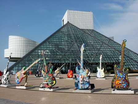 rock_and_roll_hall_of_fame_and_museum1