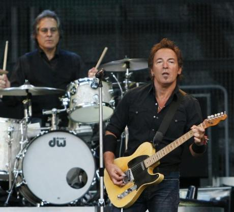 nfl_springsteen_to_play_super_bowl_xliii1