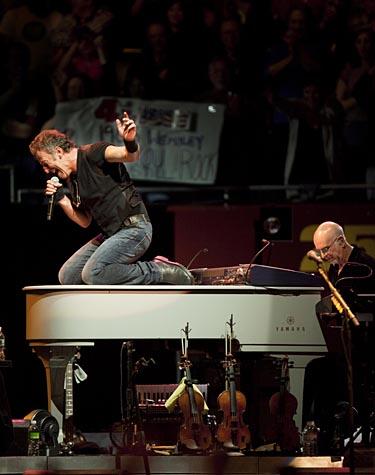 Piano Bruce