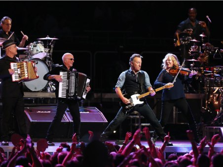 bruce-springsteen-band-sydney-640x480[1]